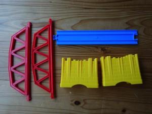 プラレール J-03 小さな鉄橋 内容物