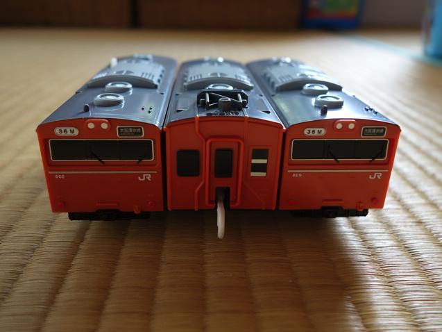 103系大阪環状線の車両 正面から