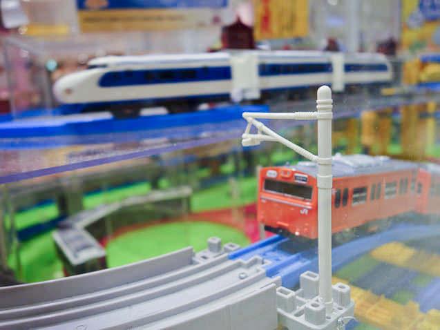 プラレールショップ大阪で走る電車