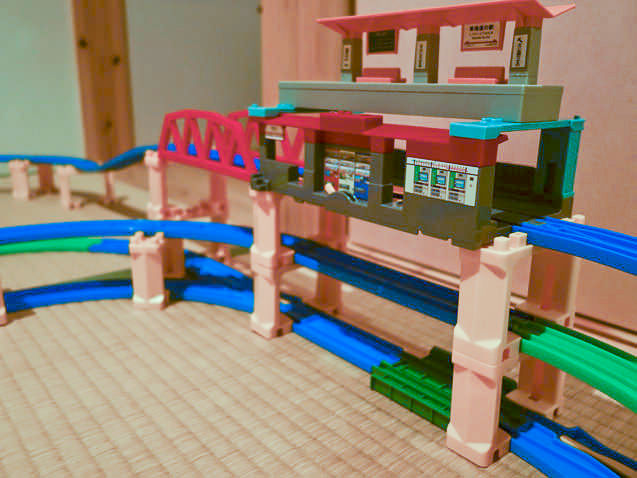 プラレールレイアウト立体の駅