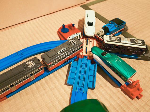 転車台に集まった電車