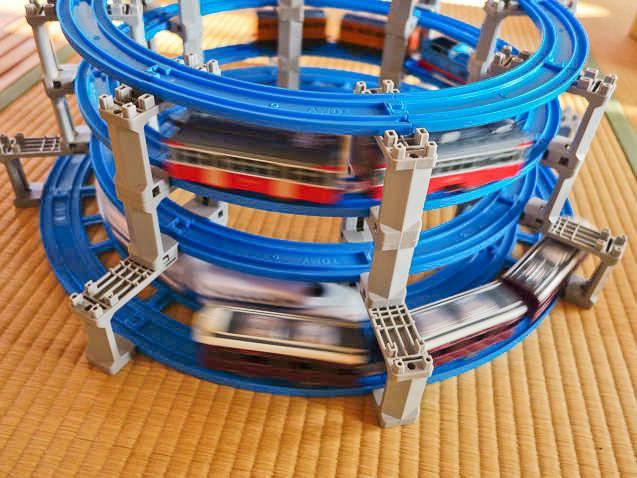 プラレール 4段タワーレールセットを再現