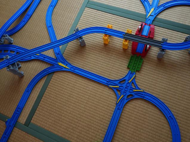 複線と単線が混じった超複雑プラレールレイアウト