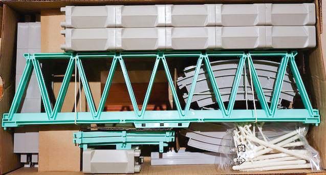 高架レールと大鉄橋セットを開封!