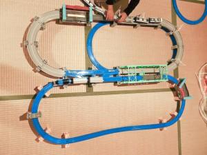 高架レールと大鉄橋セットを複線化して応用してみたレイアウト