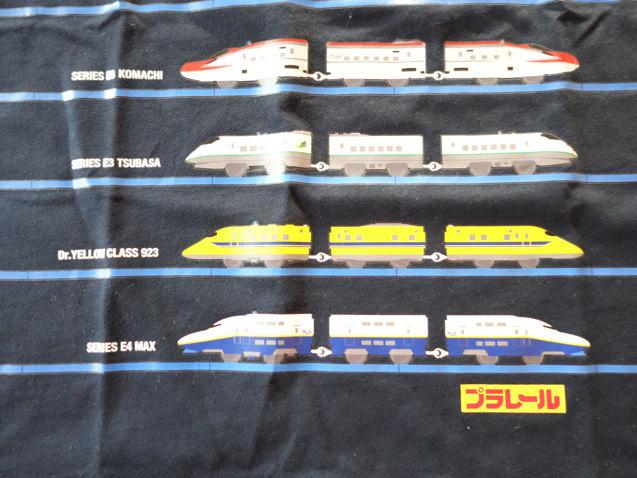 ユニクロ プラレールTシャツ