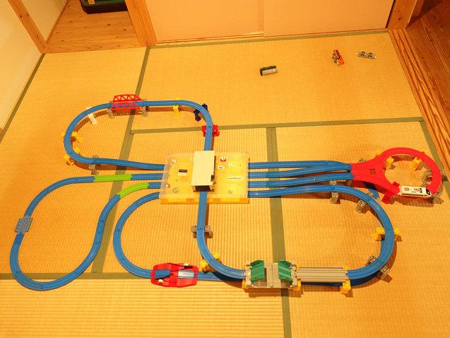 子供が夢中で遊んでしまう楽しいトレインケースのレイアウト