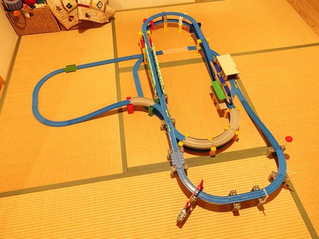 E7系北陸新幹線かがやき立体レールセットを2〜3段にしたレイアウト